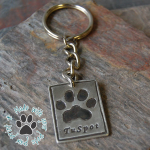 Furever Impressions, Silver paw print keychain